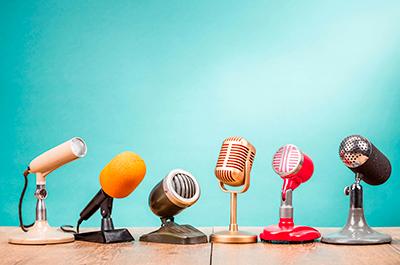 Imagen micrófonos varios Vocal Coaching Almería